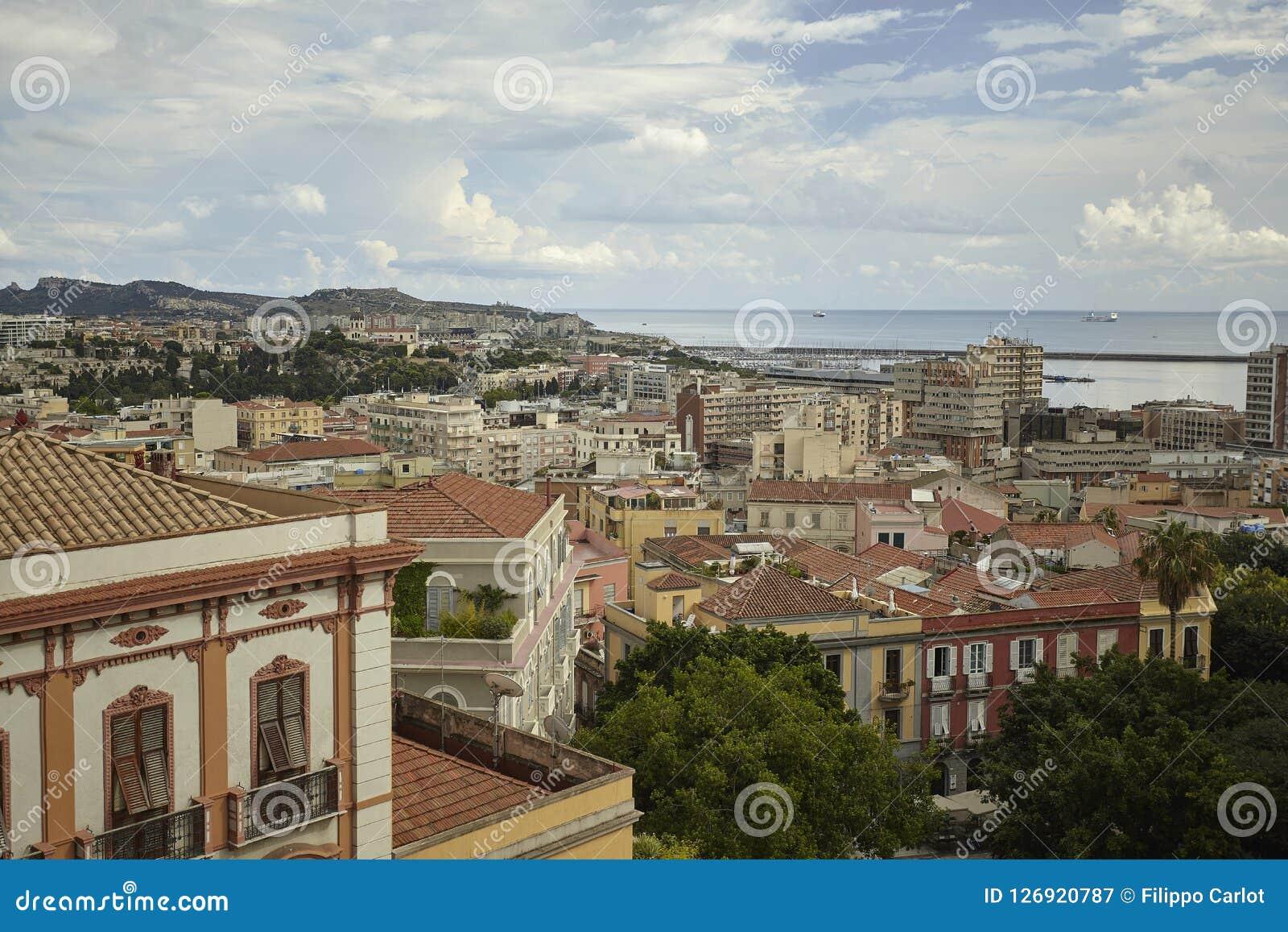 De mening die van Cagliari het overzees overzien
