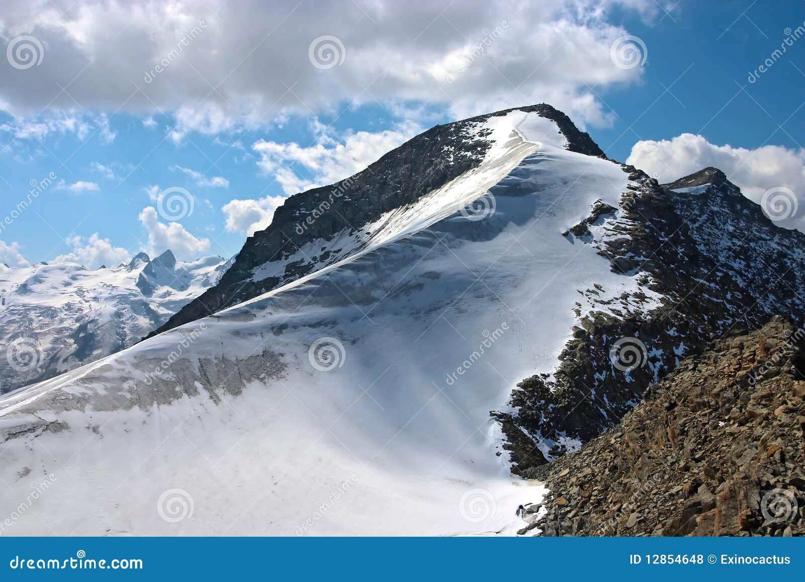 De mening van de berg van Piz Corvatsch