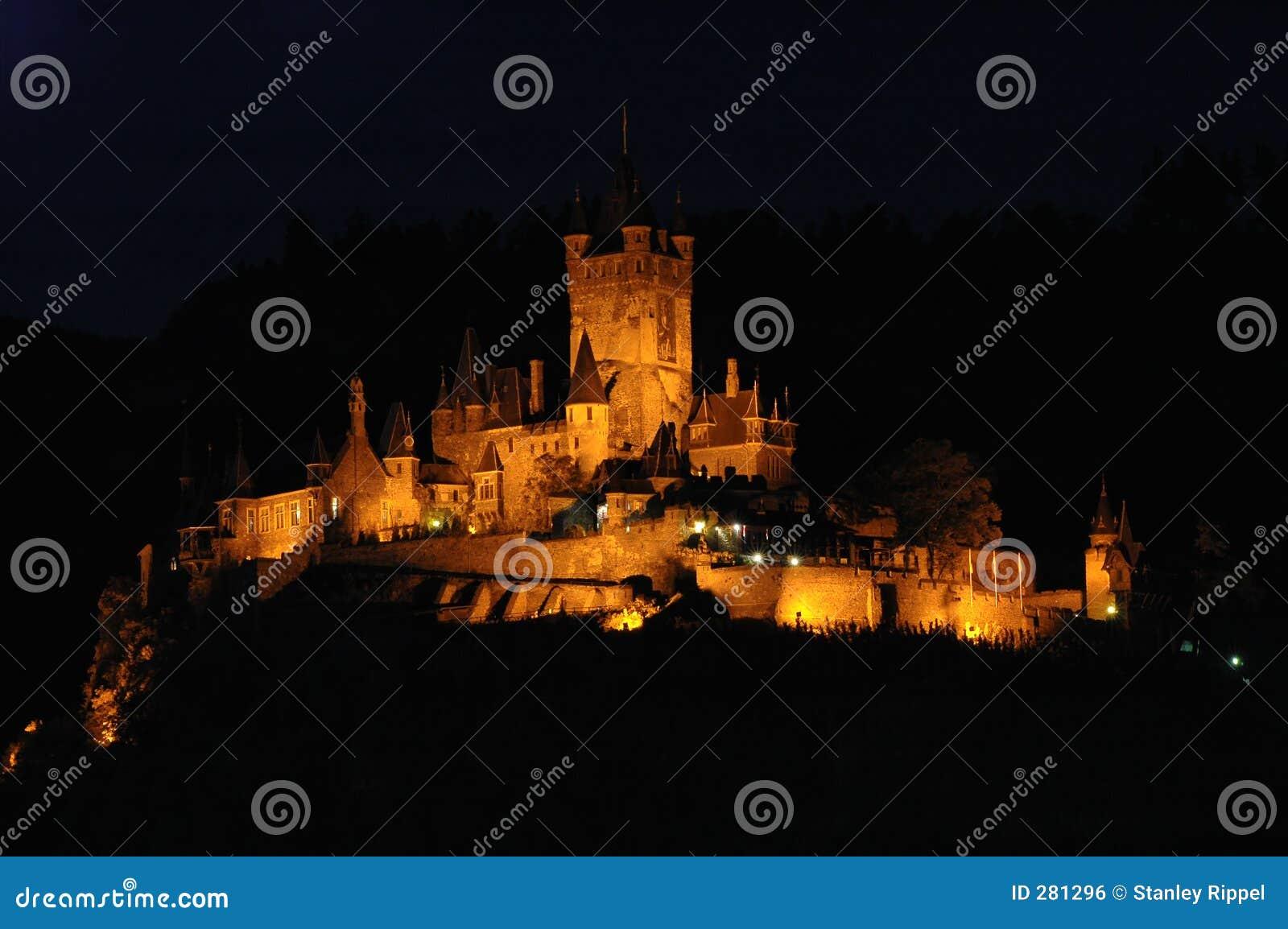De mening van de nacht van Burg Cochem in Cochem, Duitsland