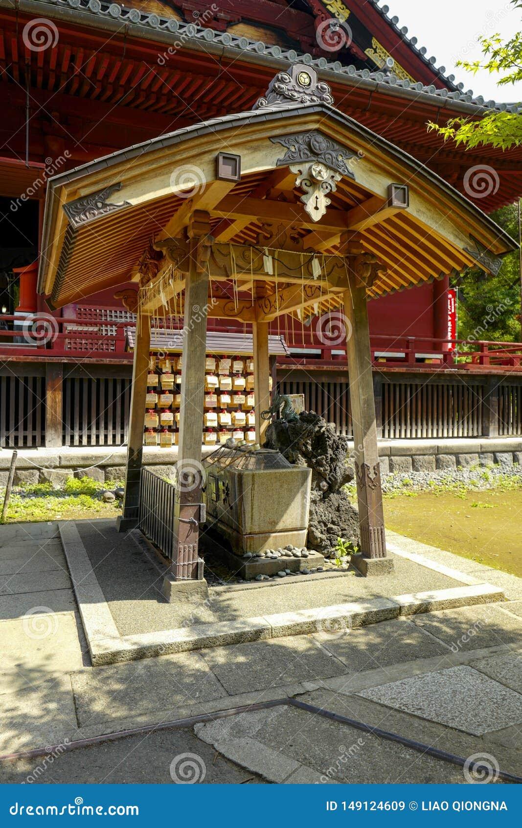 De mening van Kiyomizu kannon-doet Tempel bij Ueno-Park De tempelzaal is geclassificeerd als Belangrijk Cultureel Bezit