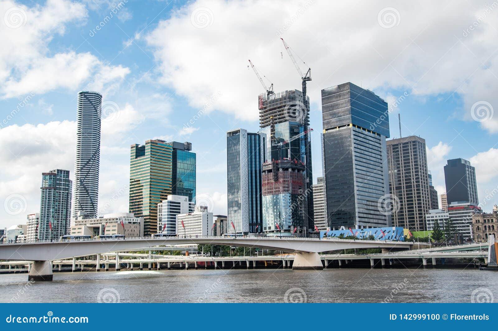 De mening van de de stadshorizon van Brisbane van Southbank