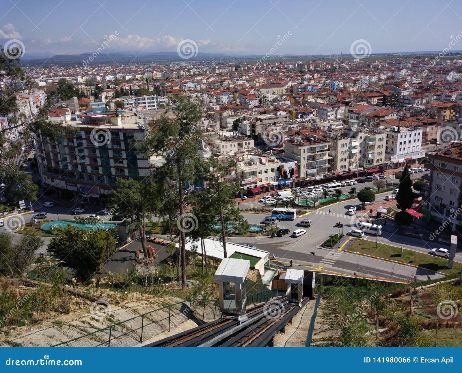 De mening van de de stadsvogel van Antalyamanavgat