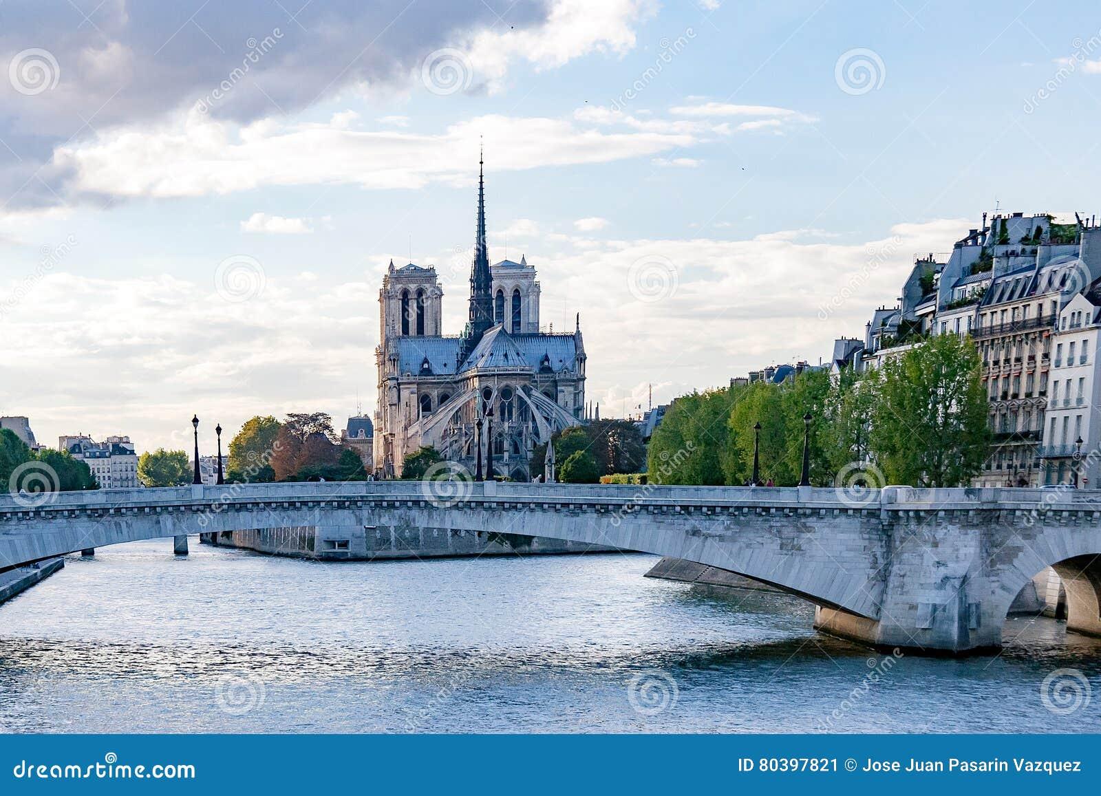 51f0af3a1ee673 De Meningen Van Parijs