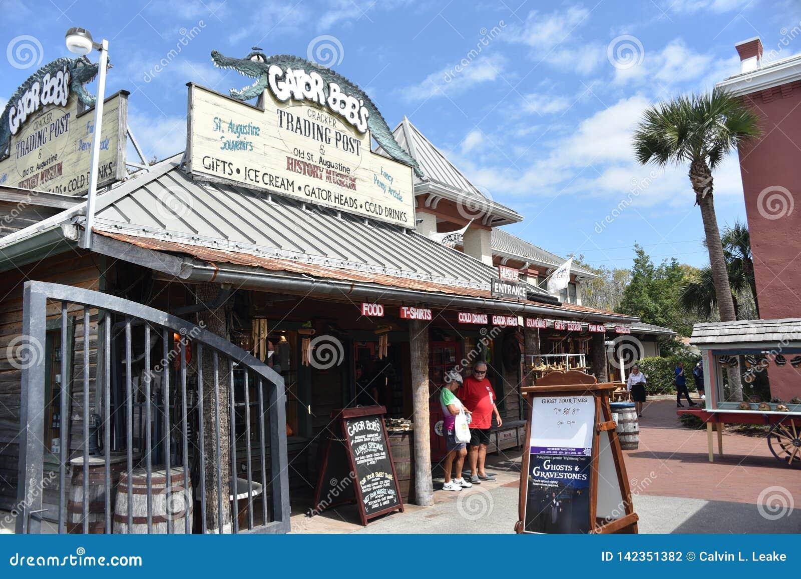 De mensen bezoeken Gator-de Handelpost van het Loodje, St Augustine, Florida