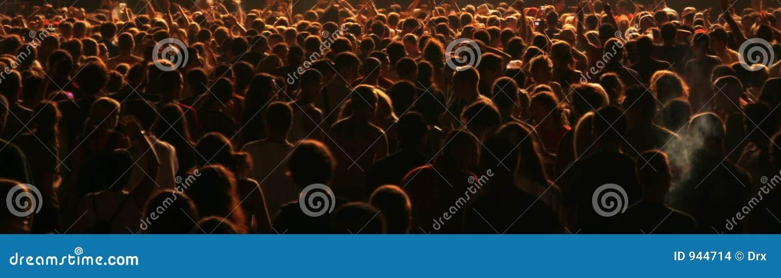 De mensen overbevolken