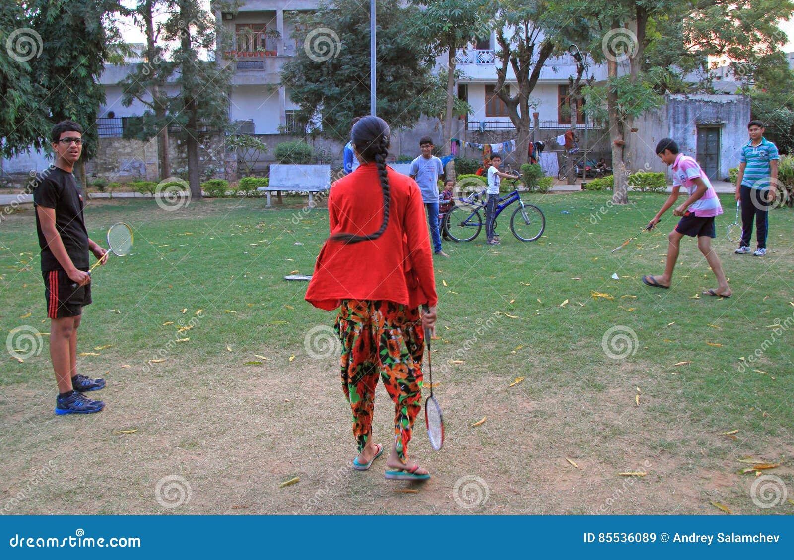 De Mensen Spelen Badminton Openlucht In Jaipur India