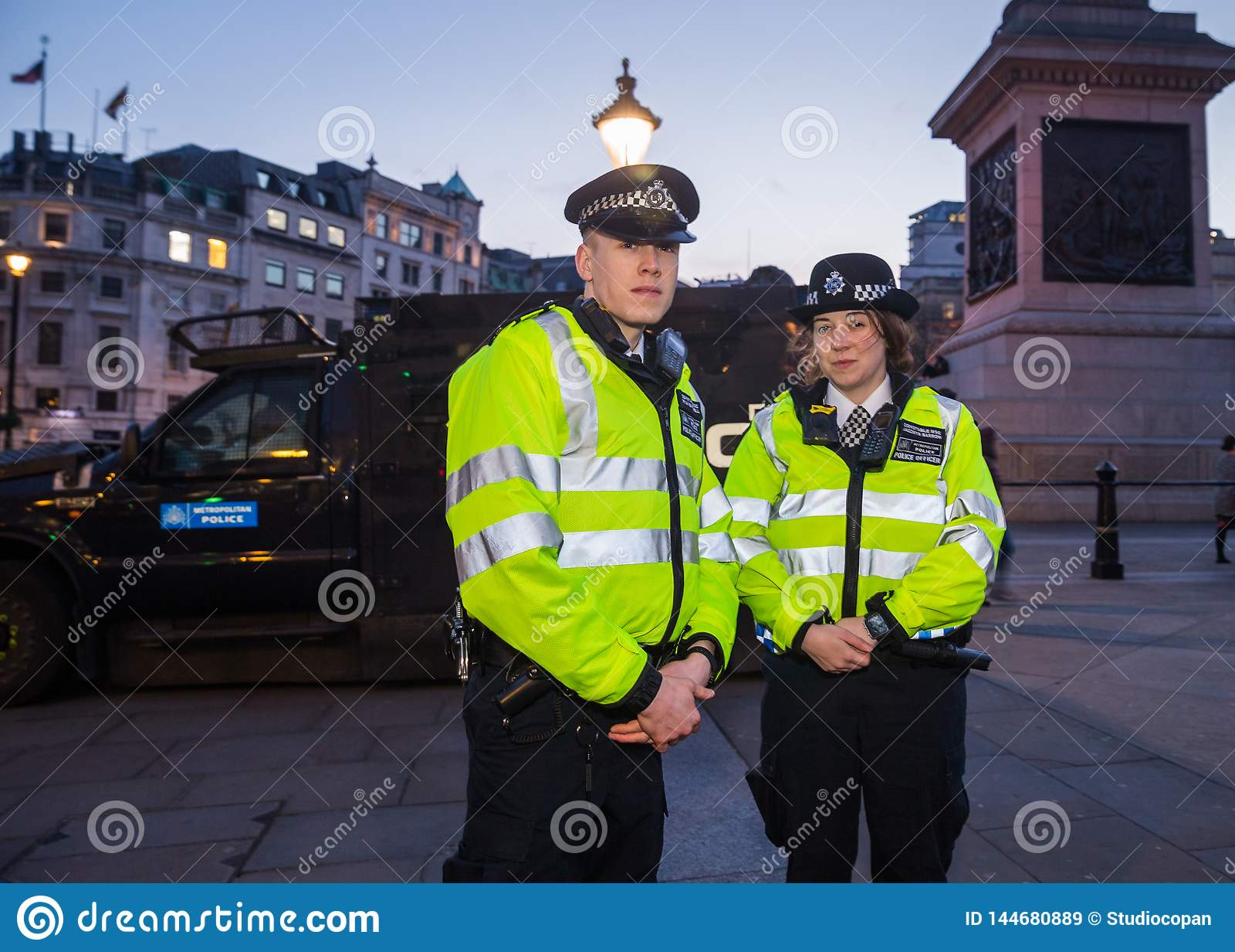 De Metropolitaanse Politiemannen van Londen in Trafalgar Square