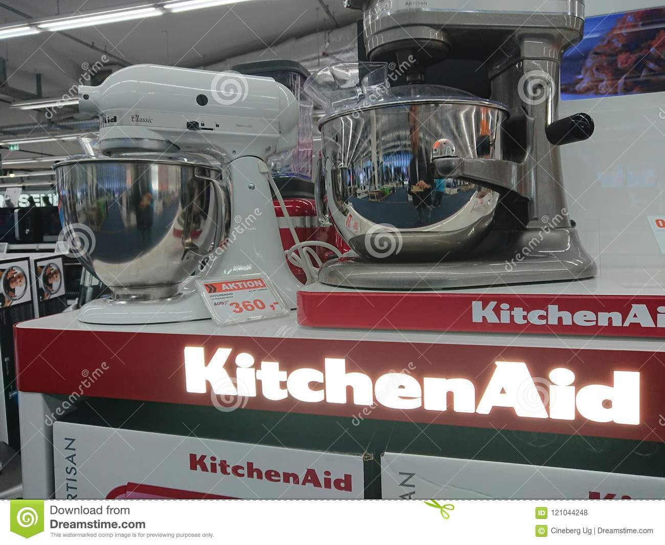 De mixers van de KitchenAidtribune