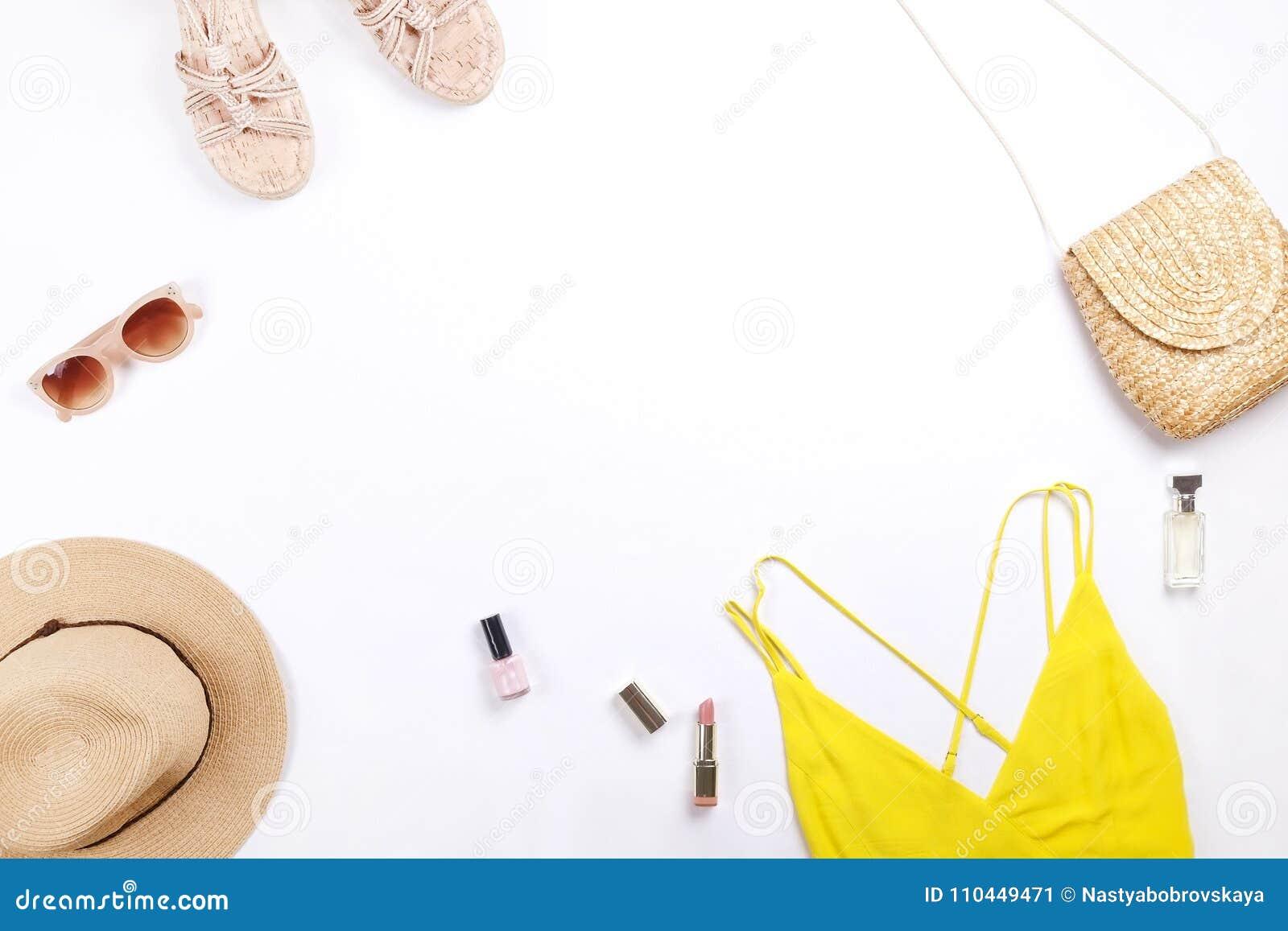 De moda modernos buscan el lookbook elegante del blog de la moda Endecha plana de la ropa elegante para la revista de la mujer Li