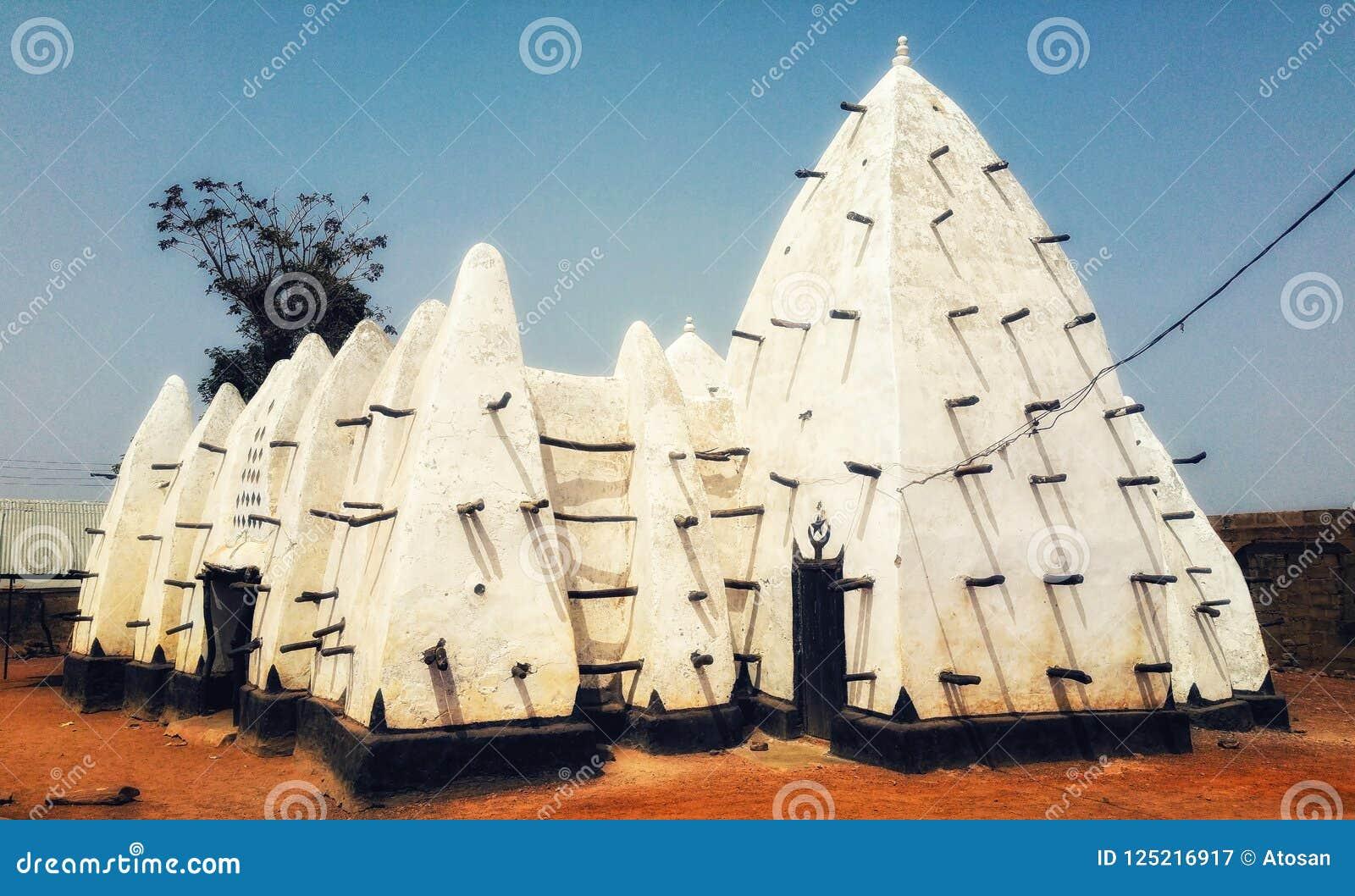 De Modder van Ghana Larabanga van West-Afrika en moskee van de Stok de sudanic stijl