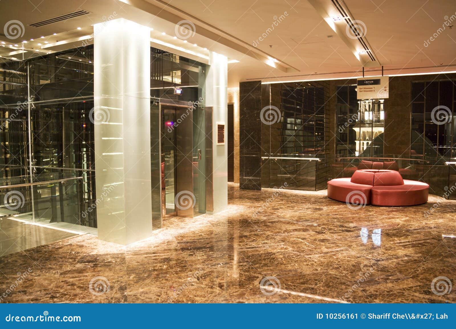 De moderne ingang van de lift stock afbeelding afbeelding