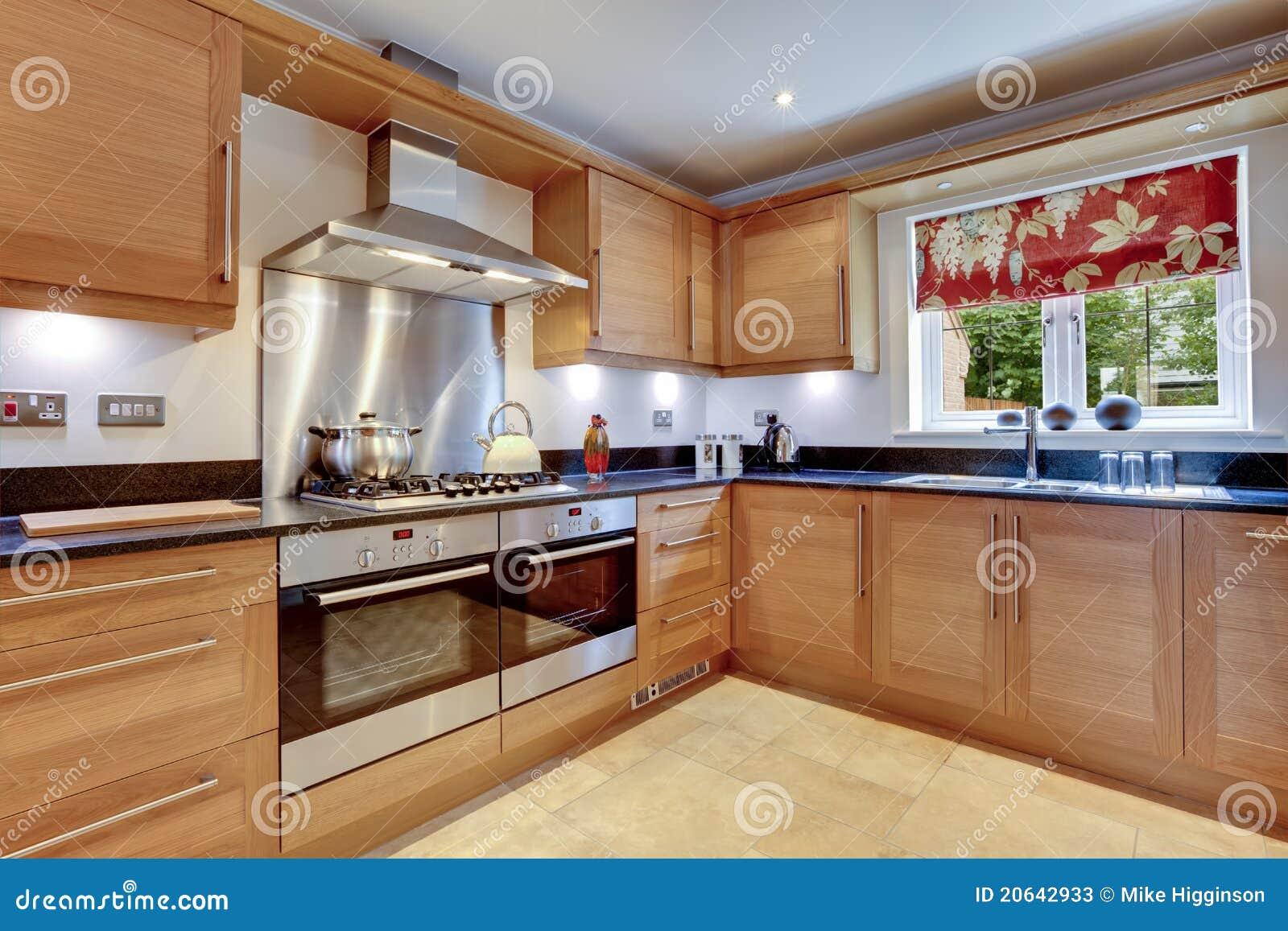 De moderne keuken van de luxe stock foto's   afbeelding: 20642933