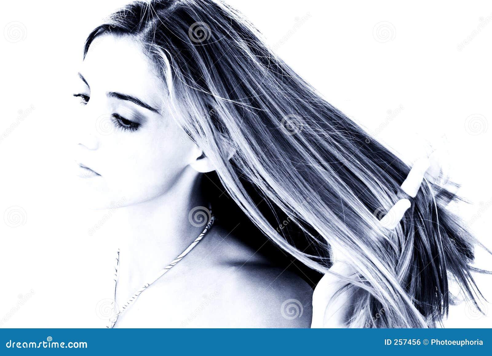 De mooie Jonge Vrouw met dient Haar in