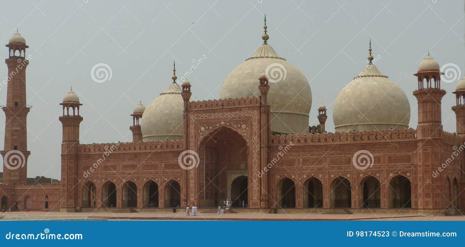 De Moskee van Badshahi