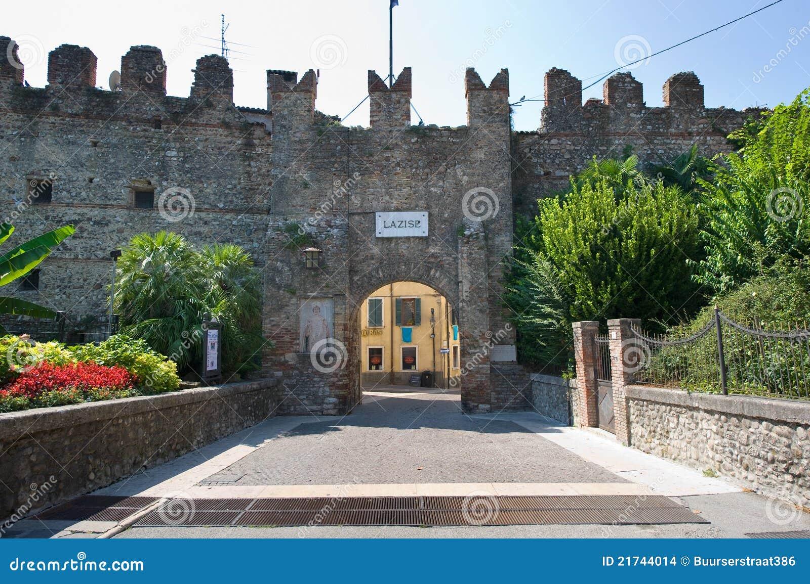 De muur van de stad van lazise stock afbeeldingen afbeelding 21744014 - Muur van de ingang ...