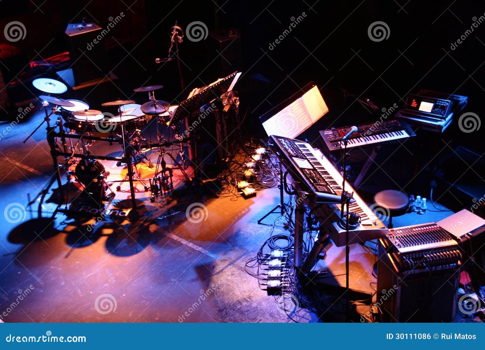 Muzikale het stadiumopstelling van Instrumenten