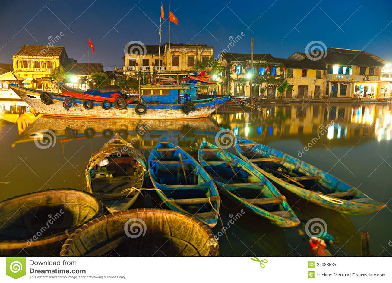 De nacht ontsproot van Hoi. Vietnam