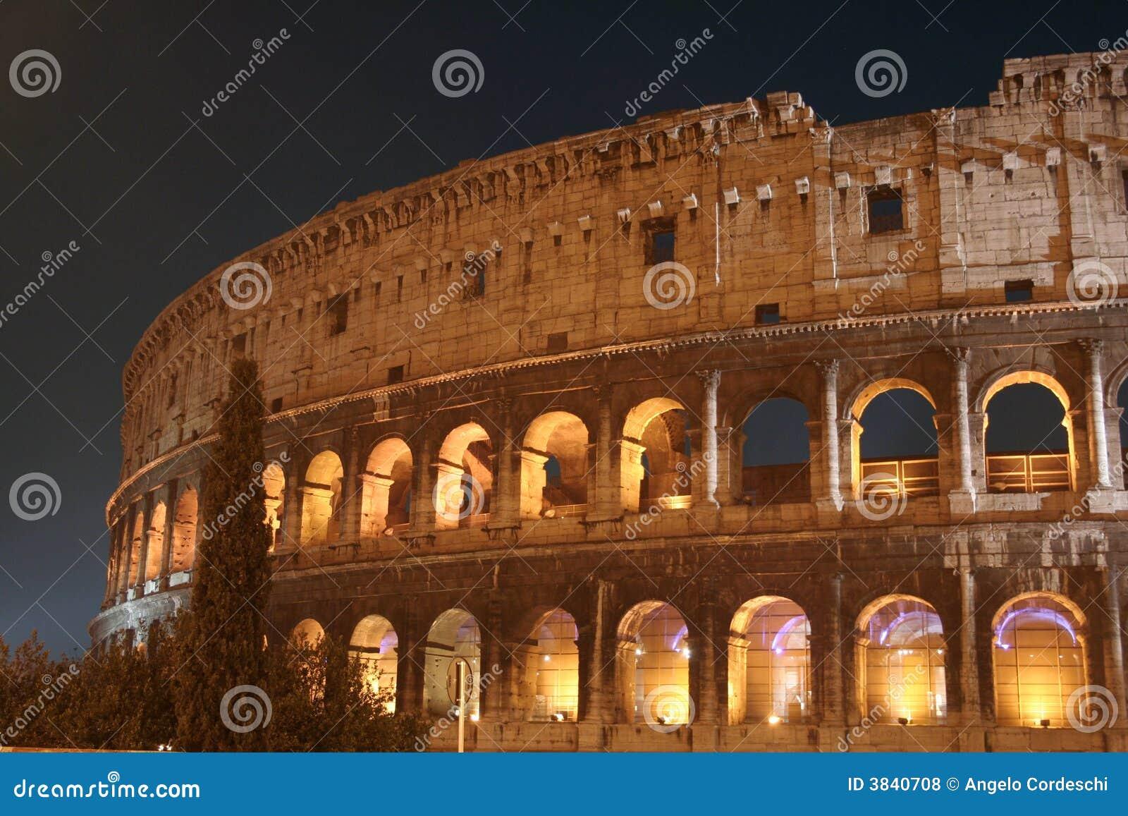 De Nacht van Coliseum (Colosseo - Rome - Italië)