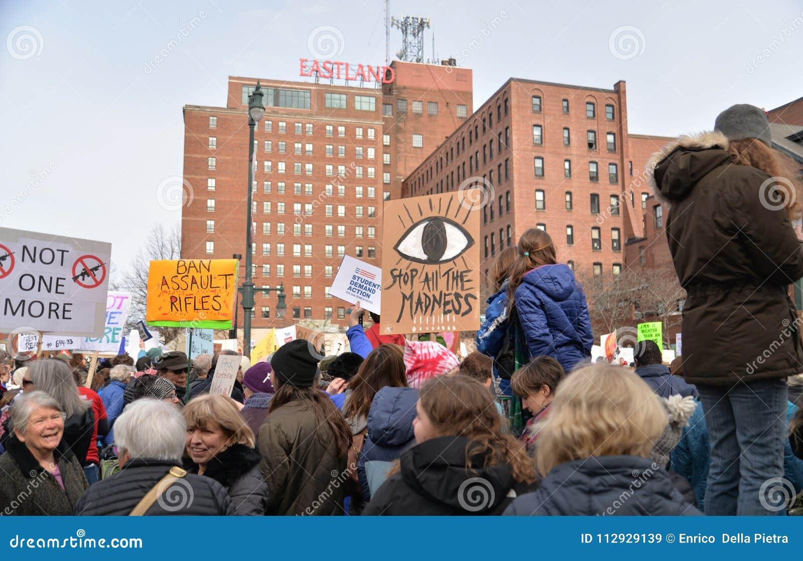 De nationale Student Protester Holding Sign van de Schoolstaking