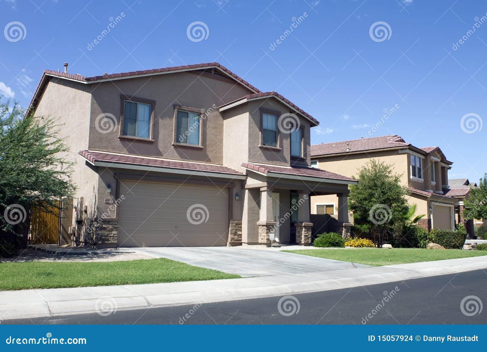 De nieuwe moderne klassieke buurt van het huis stock foto afbeelding 15057924 - Huis van het wereldkantoor newport ...