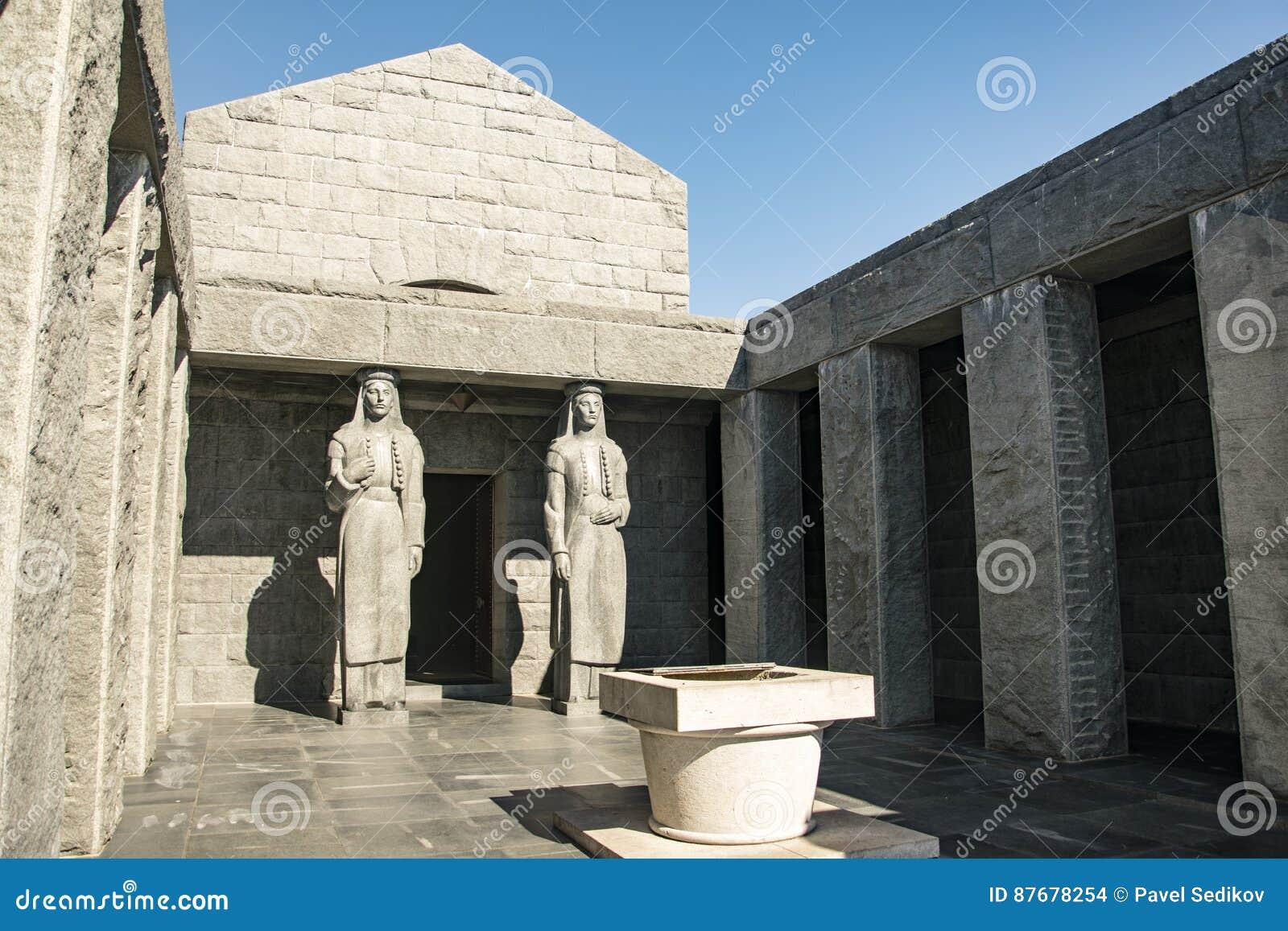 ¡ de NjegoÅ de mausolée