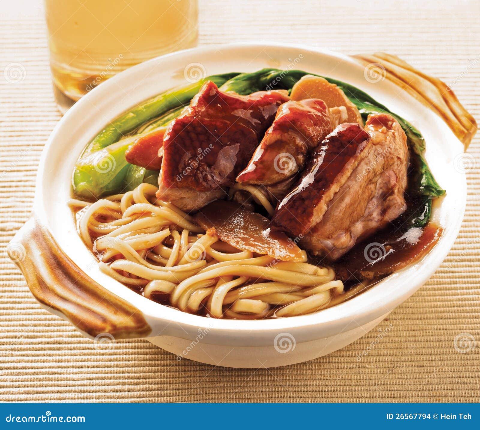 De noedel van de eend. voedsel Azië