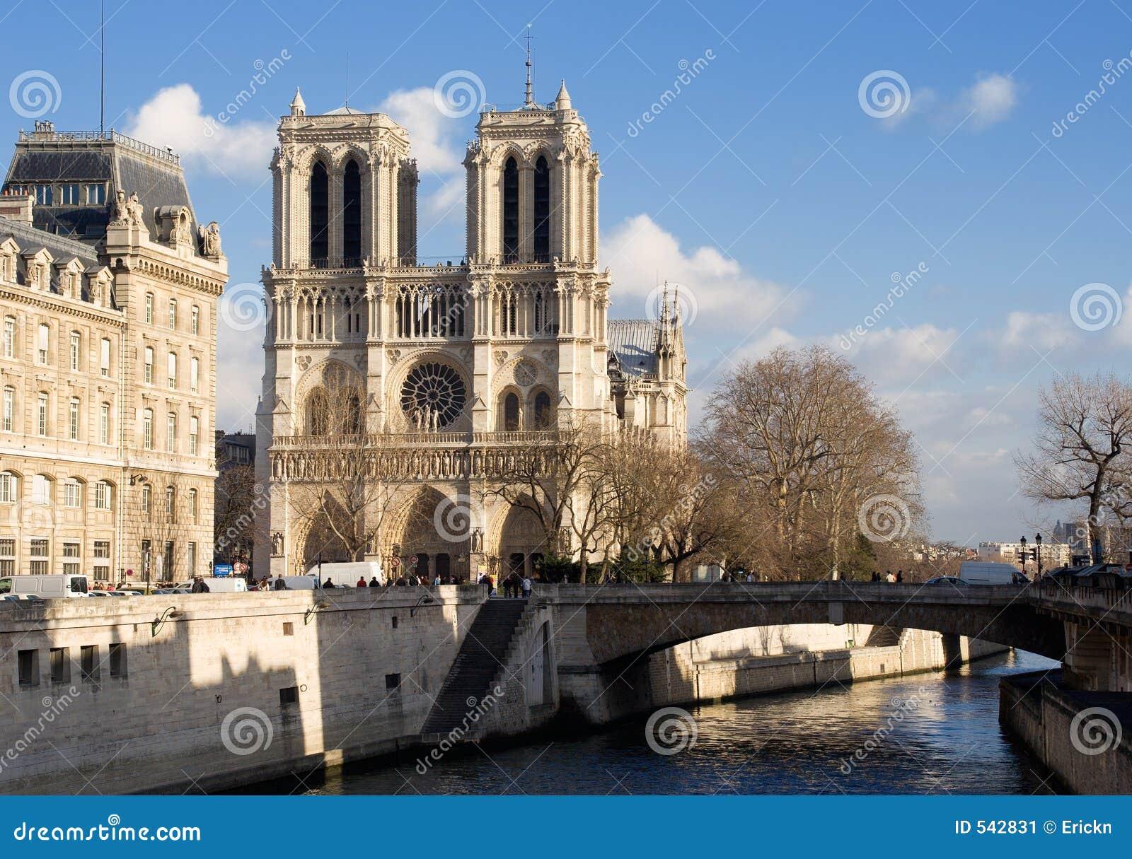 Download De notre巴黎贵妇人 库存图片. 图片 包括有 旅行, 哥特式, 宽容, 巴黎人, 浏览, 地标, 城市 - 542831