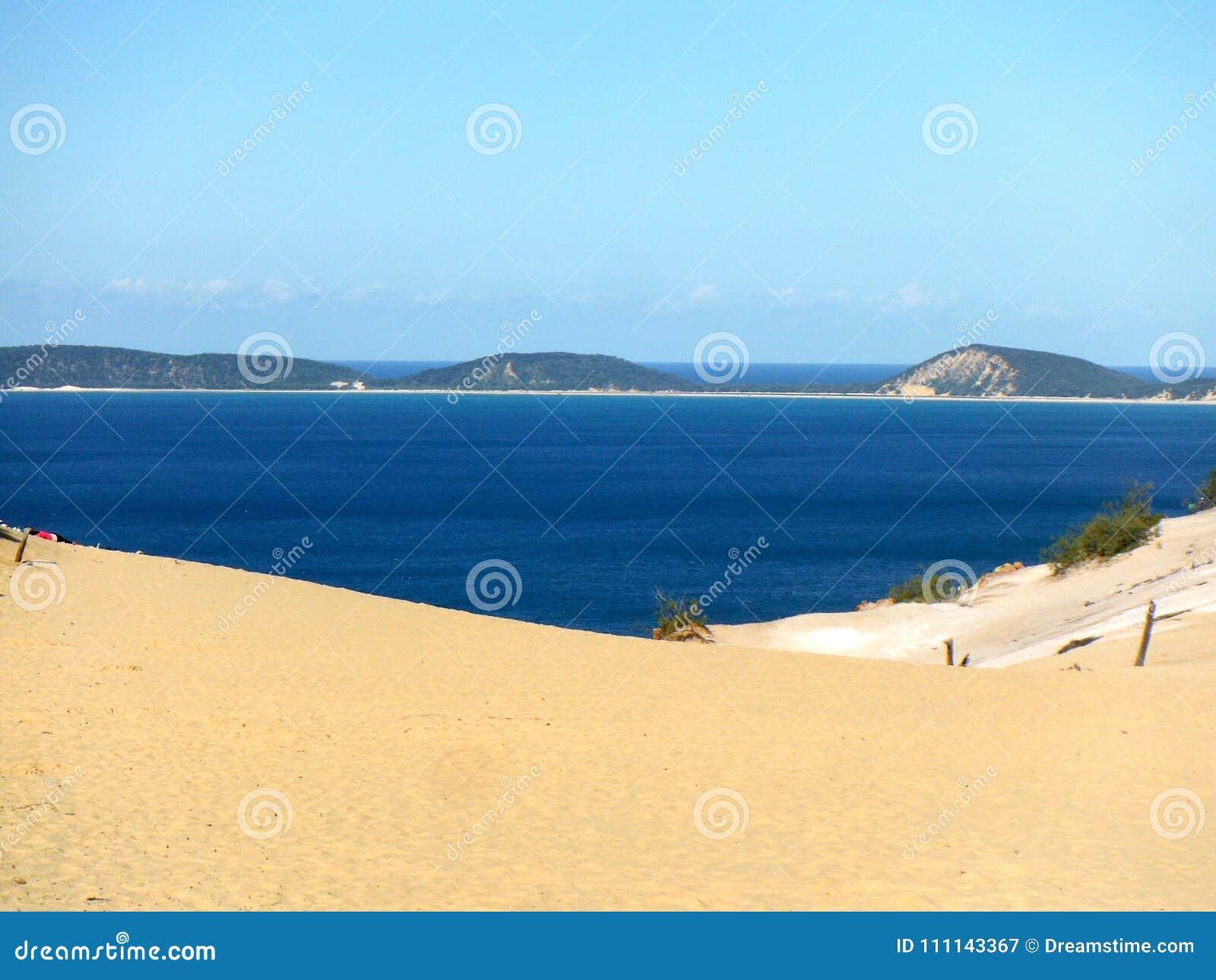 De oceaanmening van Carlo sandblow Queensland