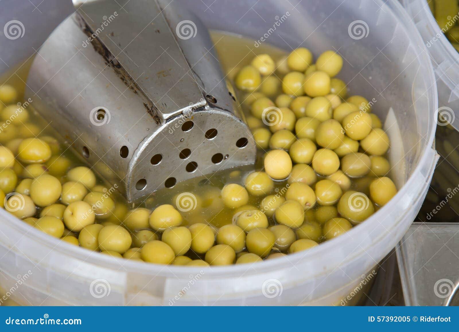 De olijven behouden binnen van een markt