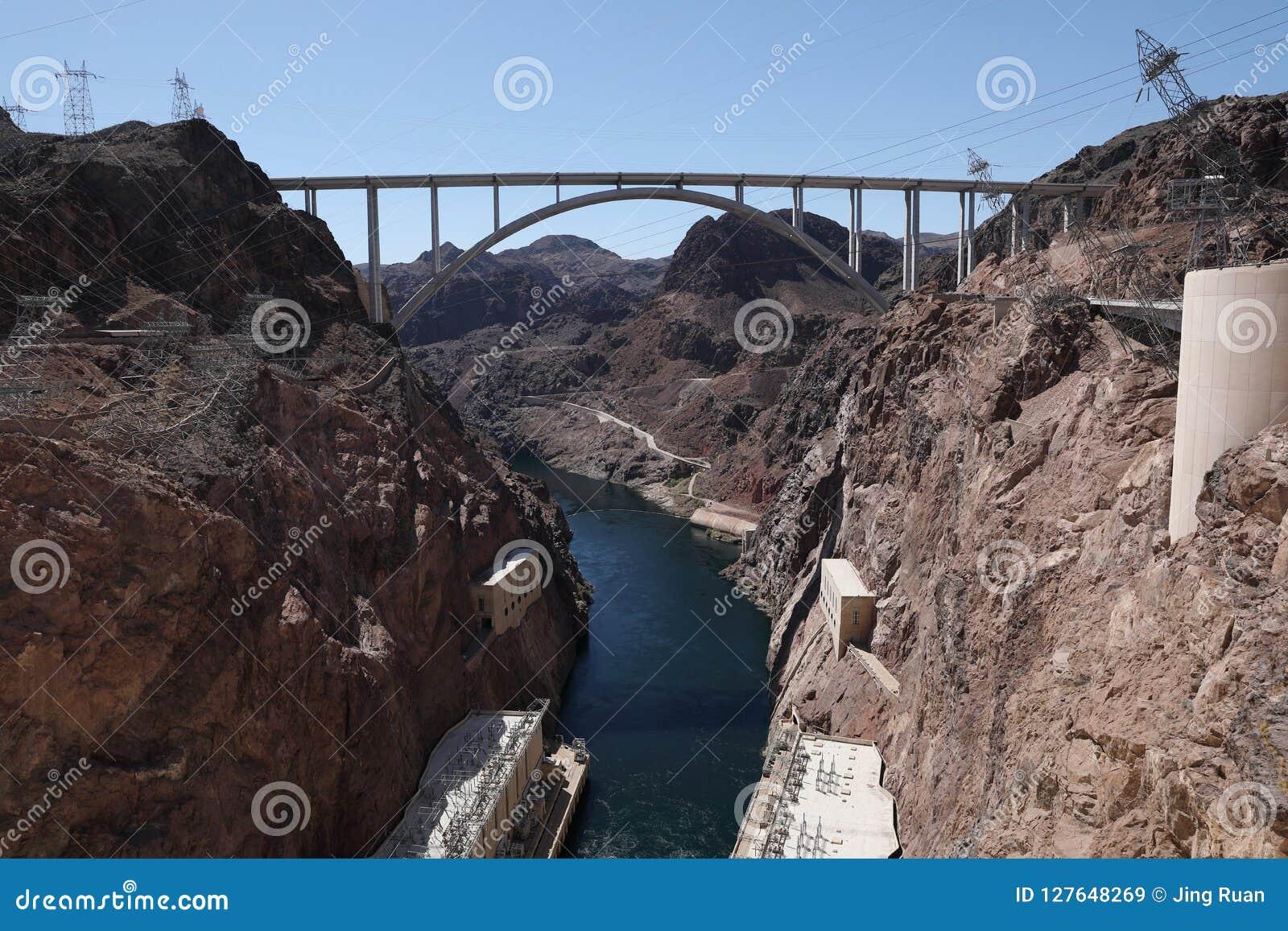 De omleiding van de Hooverdam