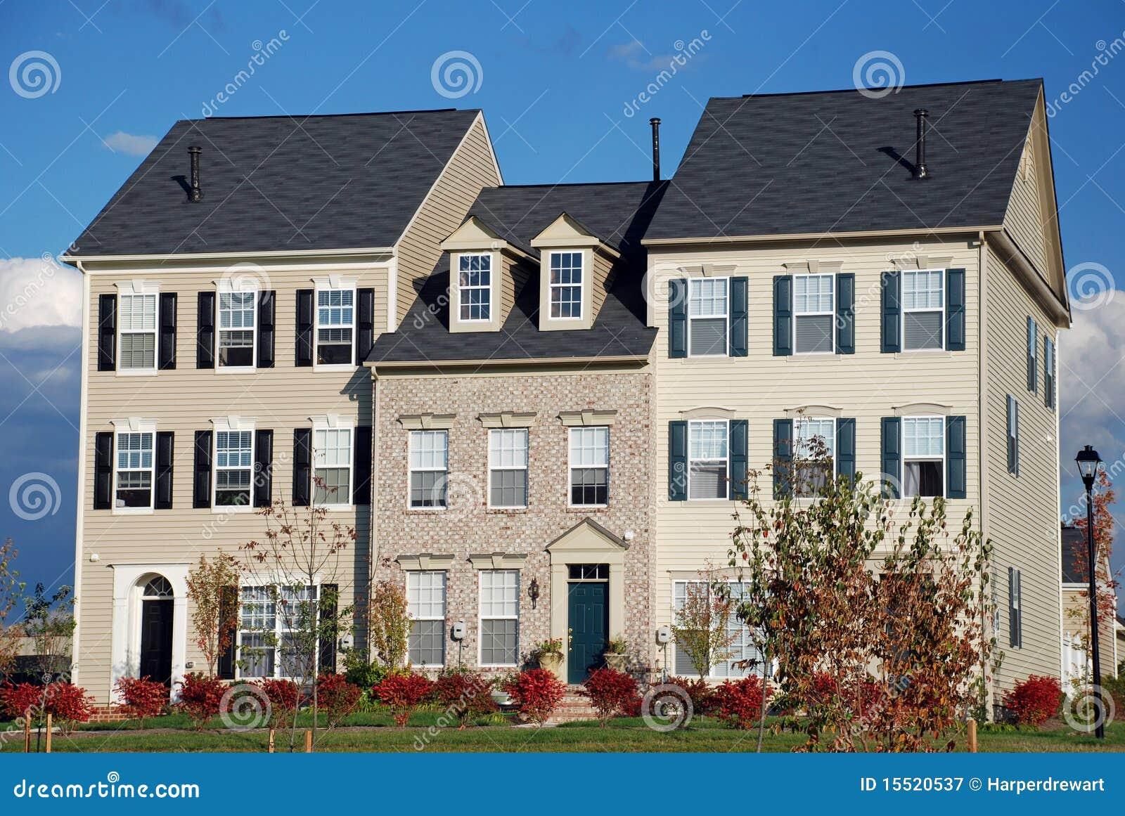 De onlangs gebouwde huizen van de stad stock afbeelding afbeelding 15520537 - Huizen van de wereldbank ...