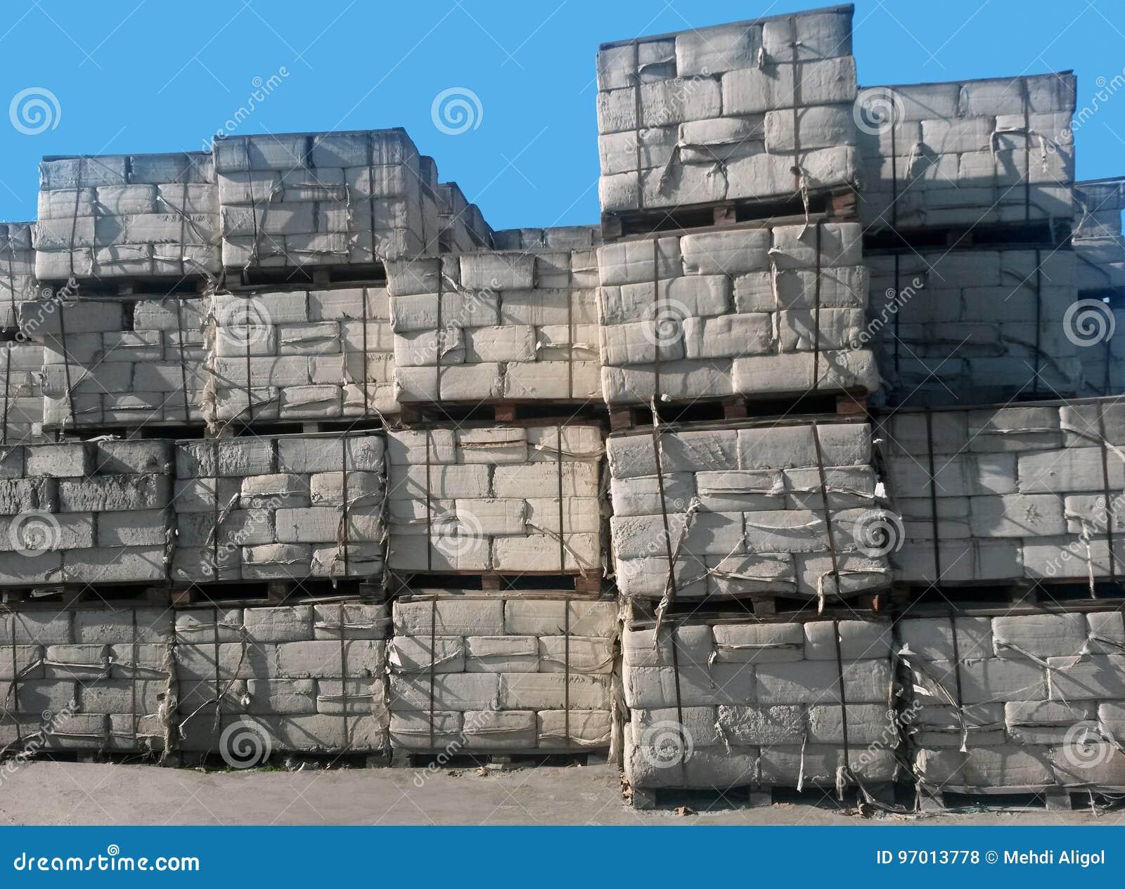 De opslag van asbestpakketten