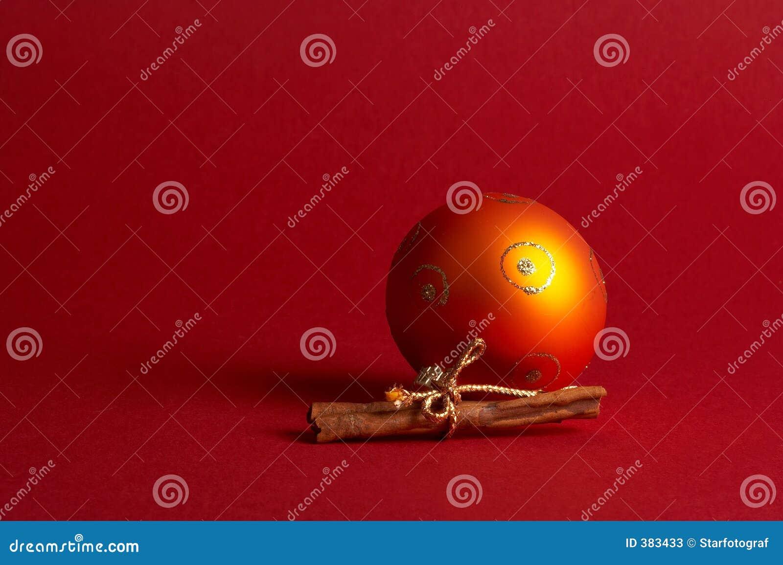 De oranje bal van de Kerstmisboom - oranje Weihnachtskugel