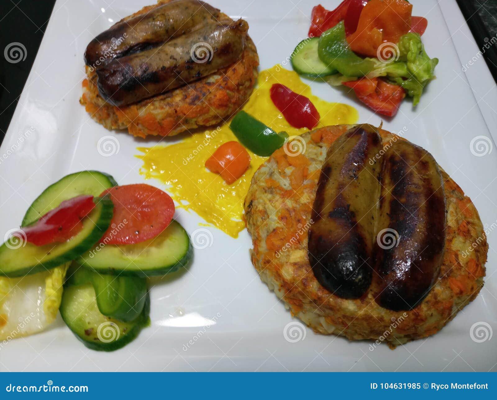 Download De Organische Verse Worsten Van Varkensvleeslincolnshire Met Broodjes En Groenten Stock Afbeelding - Afbeelding bestaande uit vers, saus: 104631985