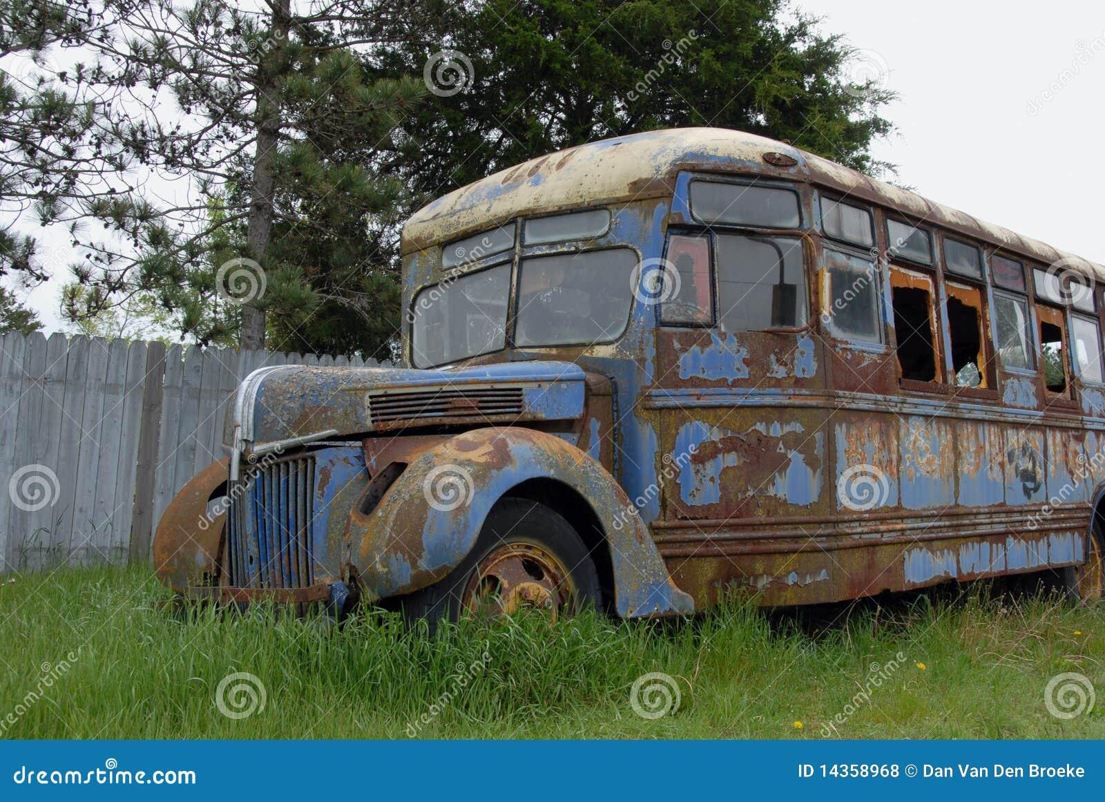 de-oude-bus-14358968.jpg