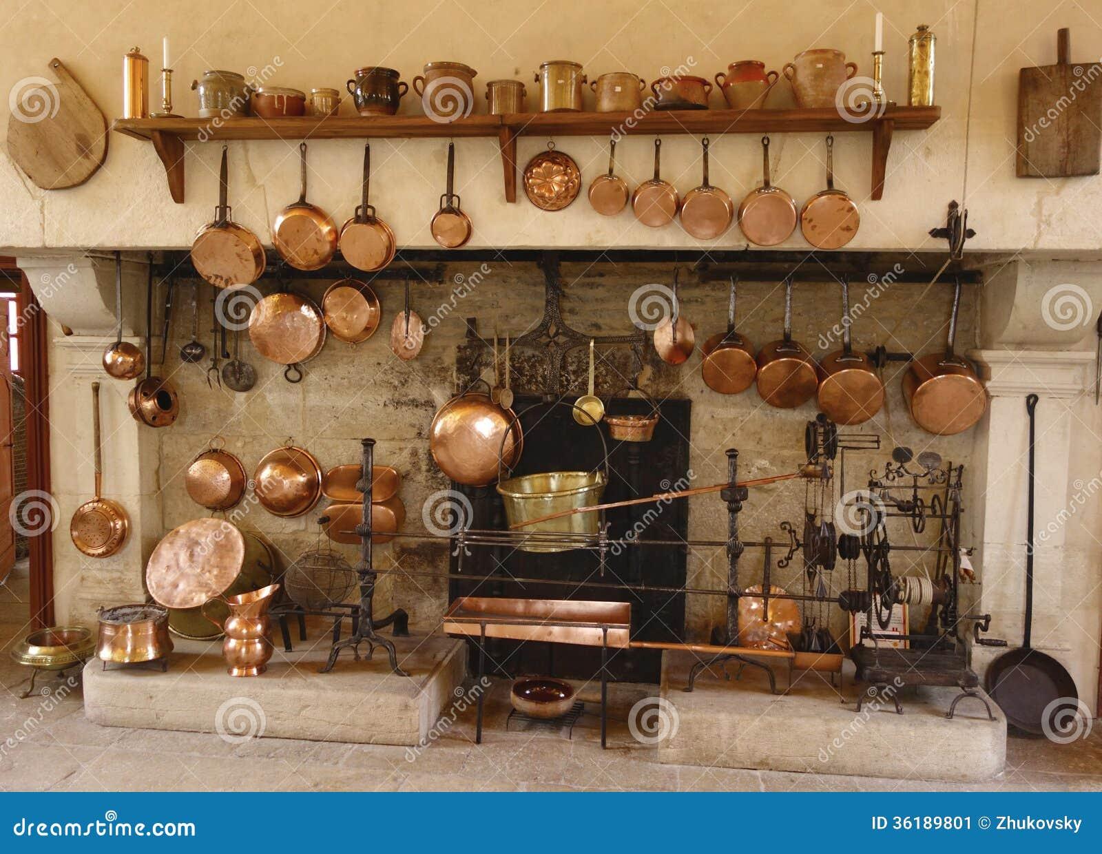 de oude keuken bij chateau de pommard wijnmakerij in frankrijk redactionele foto afbeelding. Black Bedroom Furniture Sets. Home Design Ideas