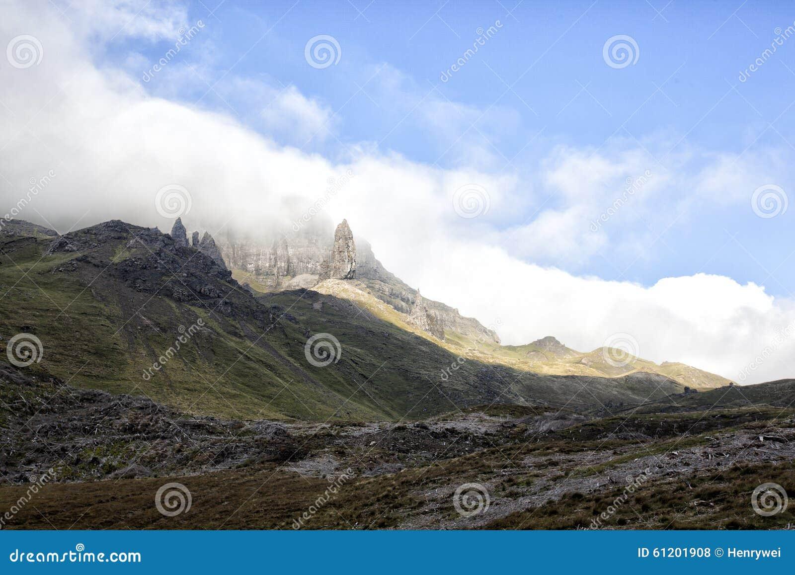 De Oude Man van Storr op het Eiland van Skye in de Hooglanden van Schotland