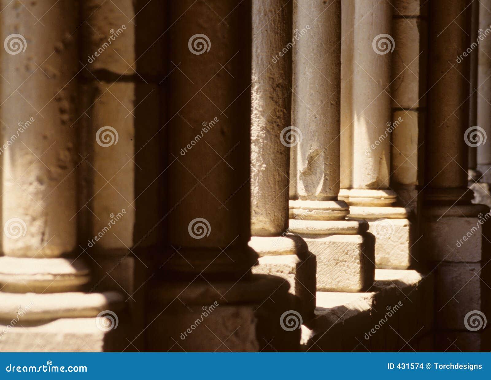 De oude Pijlers van de Steen
