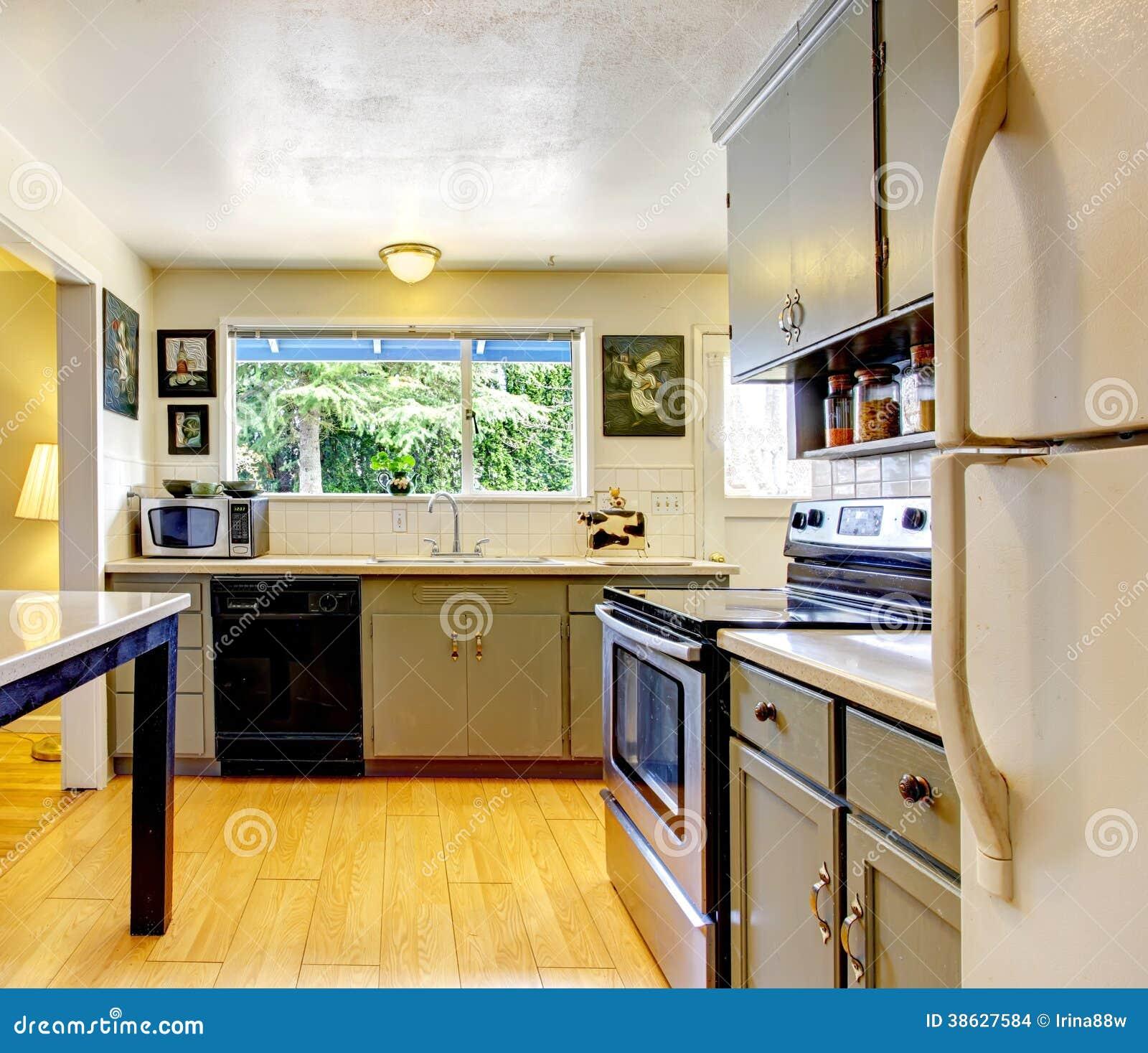 De oude ruimte van de manier kleine keuken stock afbeeldingen afbeelding 38627584 - Ruimte van water kleine ruimte ...
