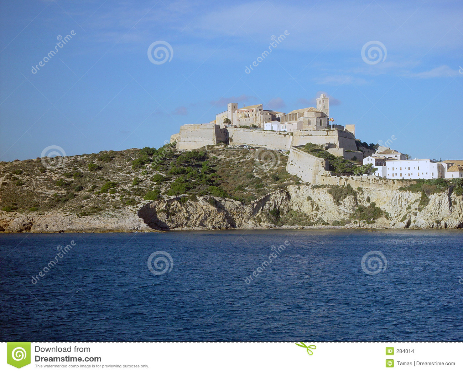 De Oude Stad van Ibiza die van het overzees wordt gezien