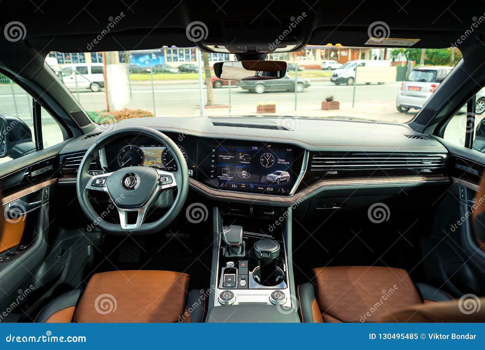 03 De Outubro De 2018 Vinnitsa Ucrania Volkswagen Touareg Novo Imagem Editorial Imagem De 2018 Outubro 130495485