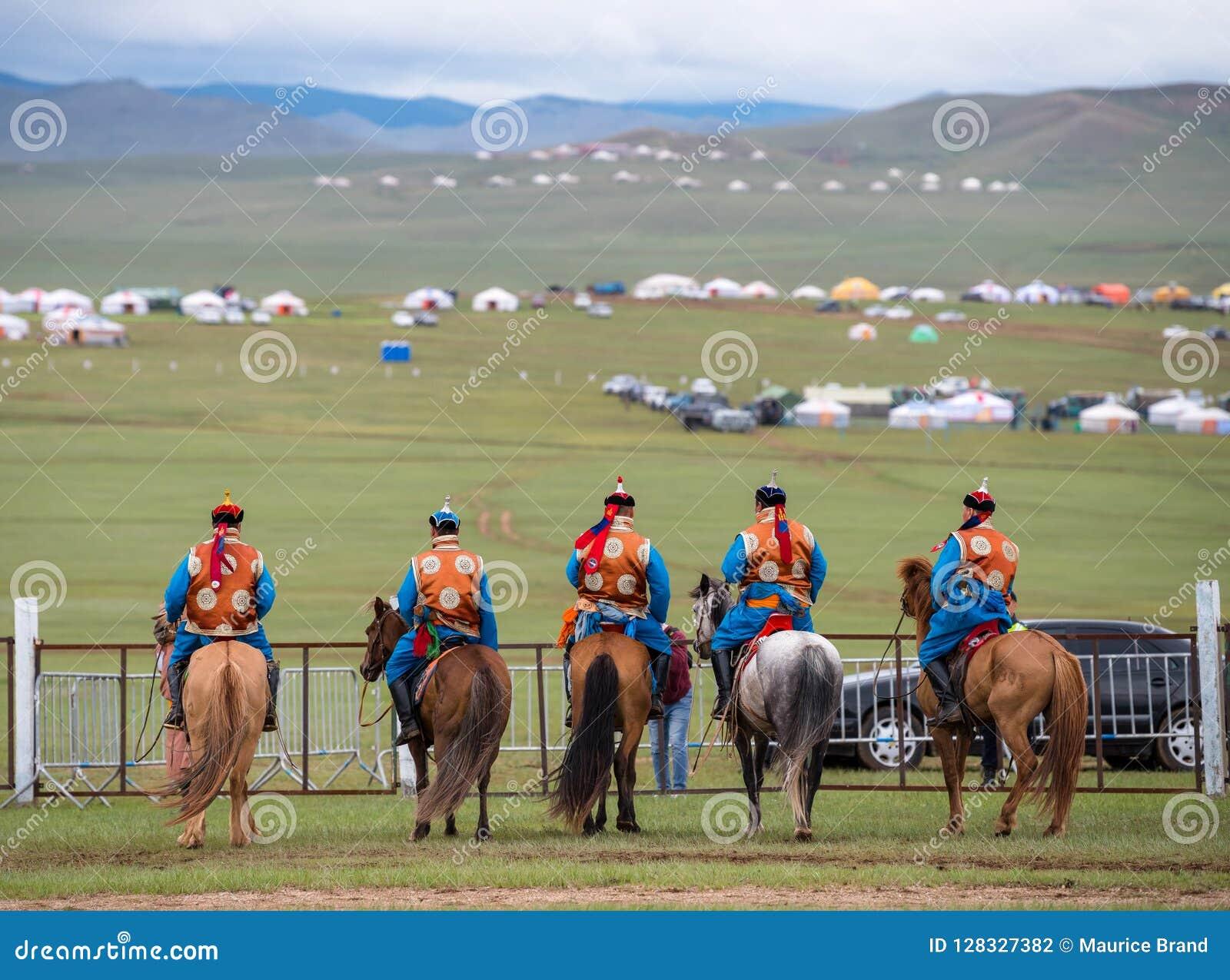 De paardenkoers van het Naadamfestival