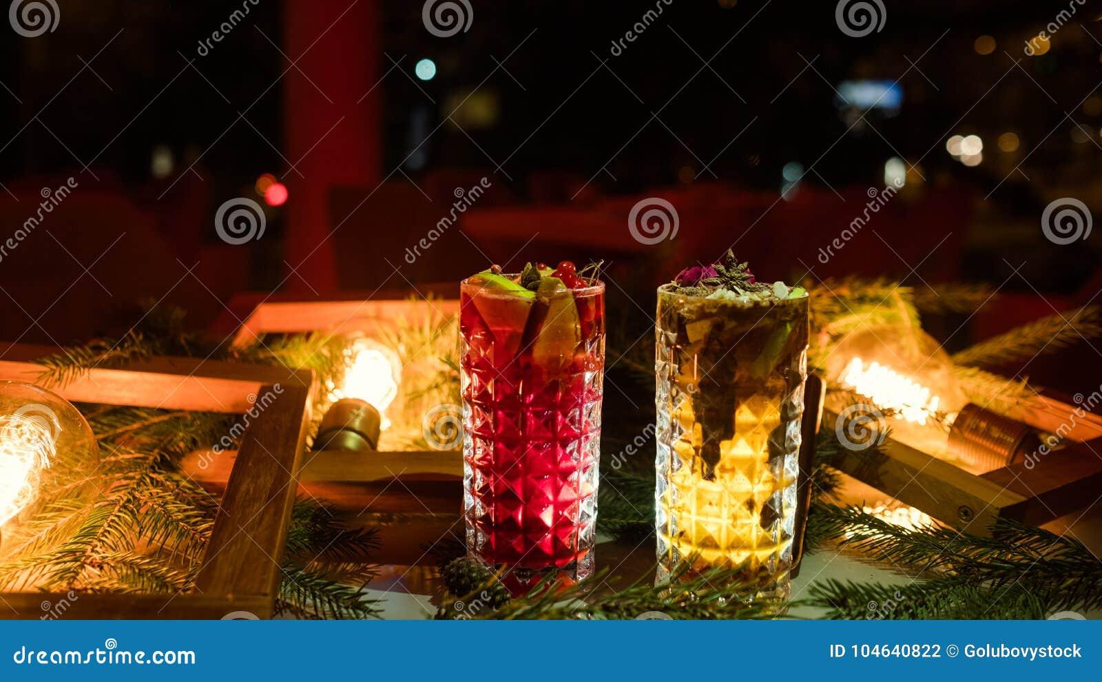 Download De Partij Drinkt Feestelijk Drankconcept Stock Foto - Afbeelding bestaande uit plezier, verslaving: 104640822