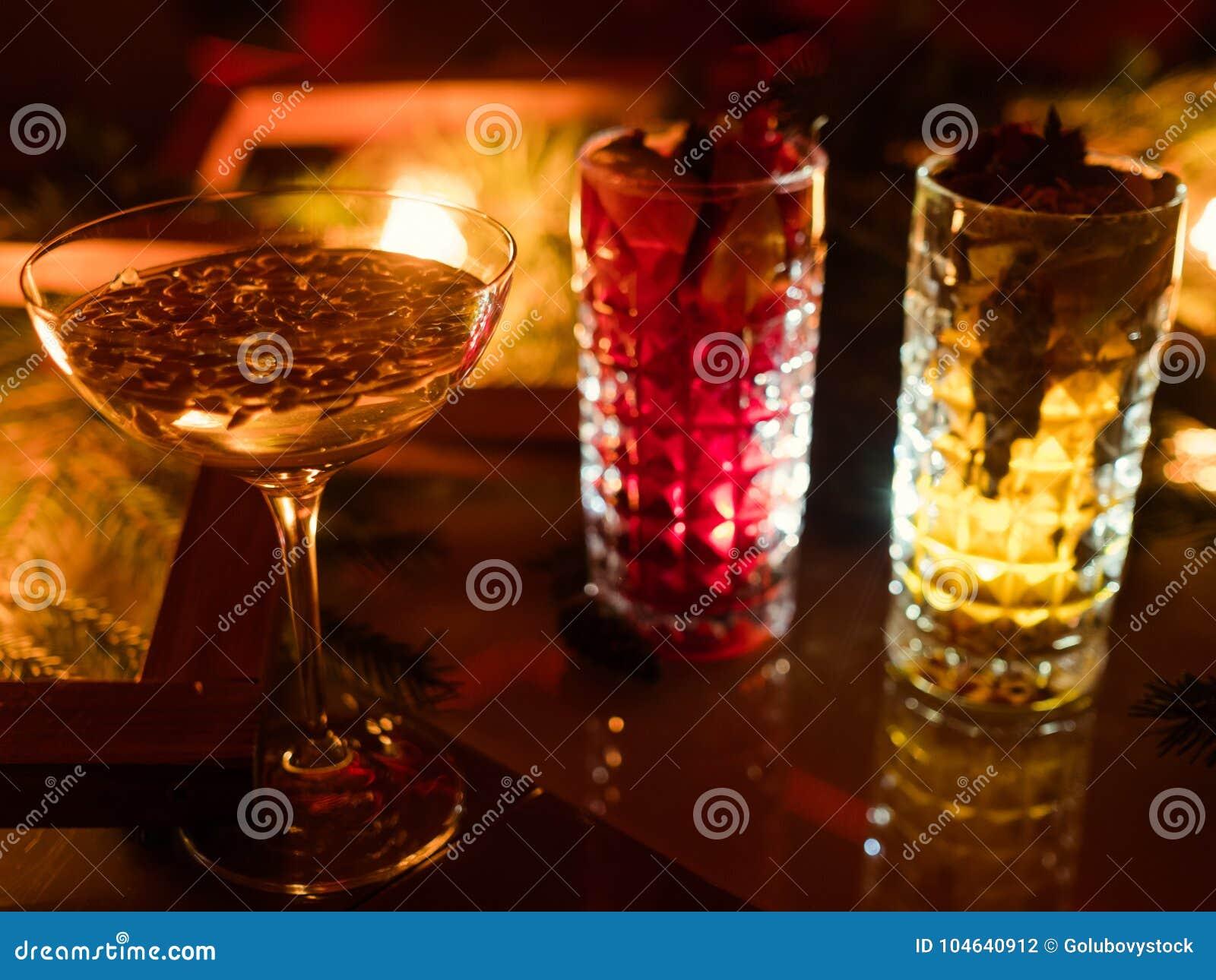 Download De Partijbar Drinkt Verfrissende Drankfestiviteit Stock Foto - Afbeelding bestaande uit pret, plezier: 104640912