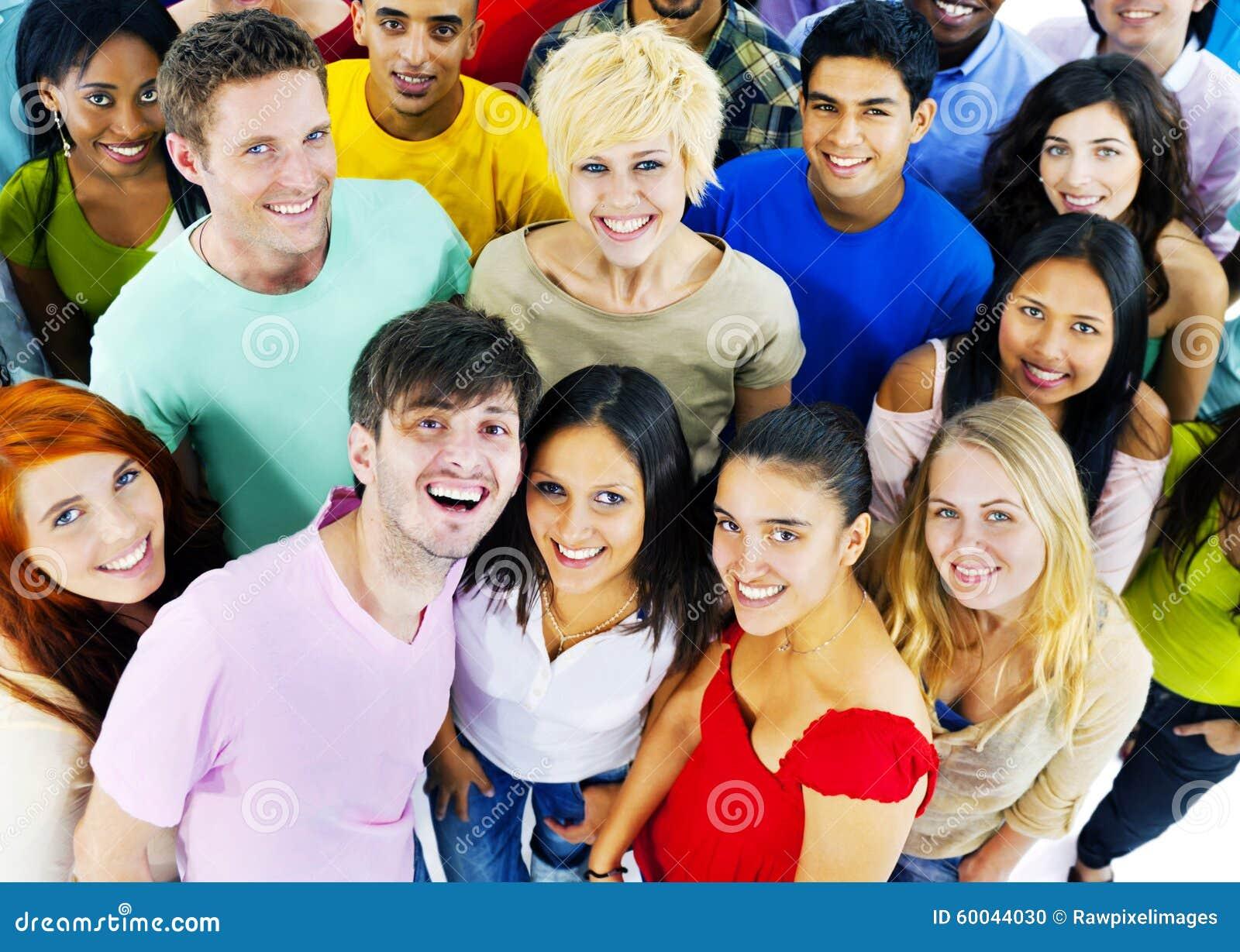 De personnes de la jeunesse de culture concept gai d étudiants ensemble