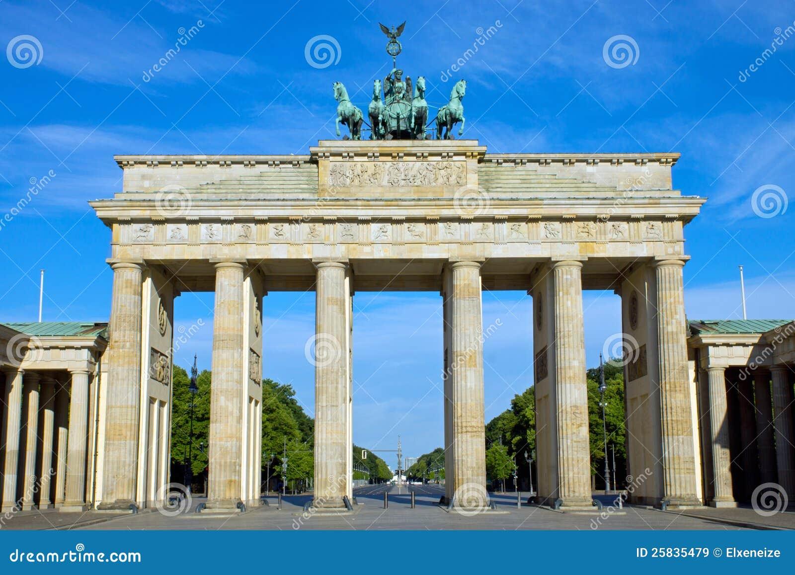 De piek Brandenburger in Berlijn