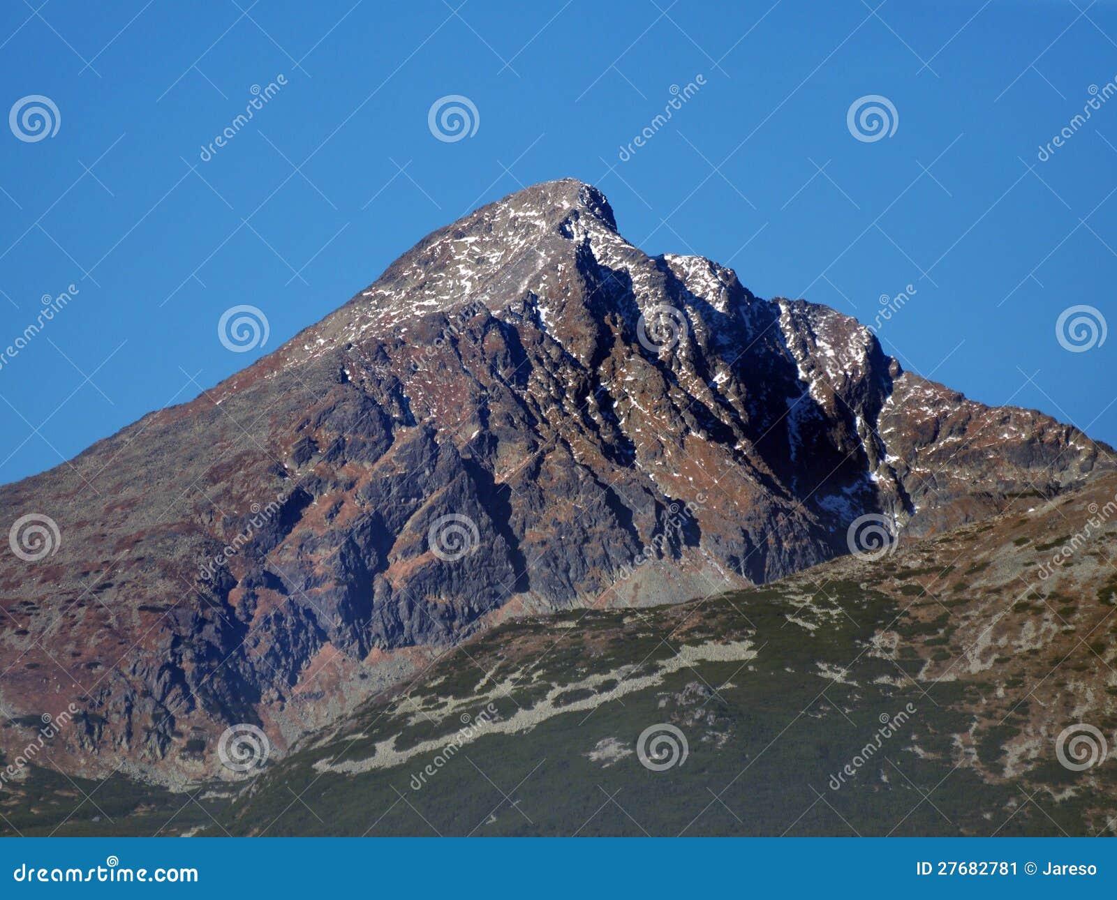 De Piek van Krivan in Slowaakse Hoge Tatras bij de herfst