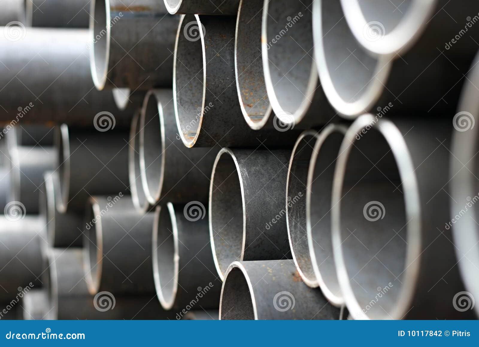 De pijpen van het metaal