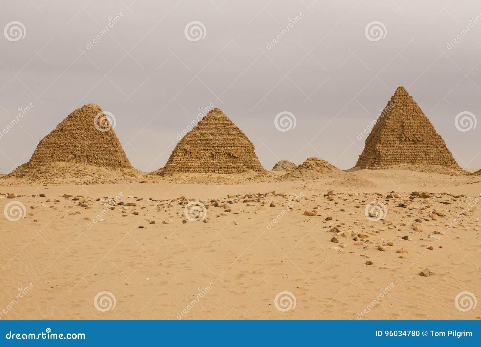 De piramides in Nuri