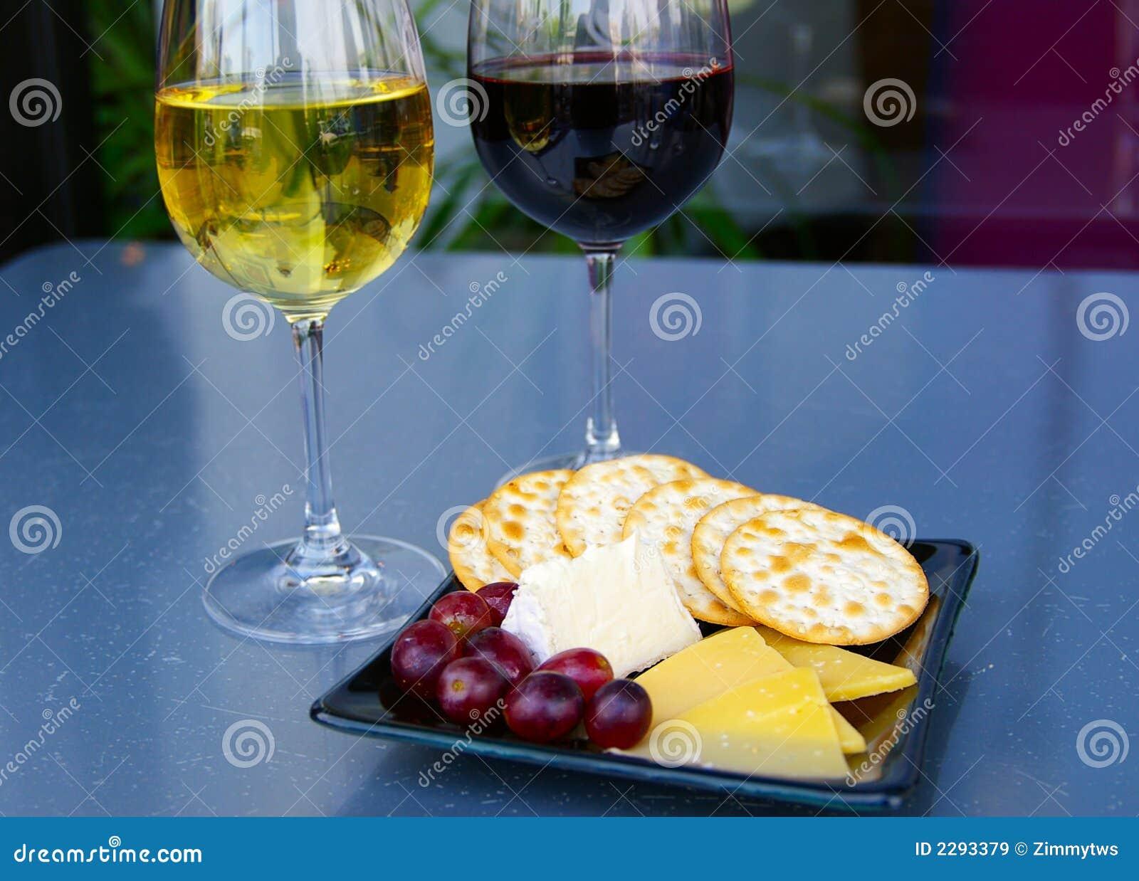 De plaat van de wijn en van de kaas